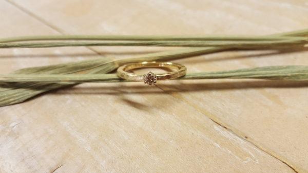 goldring damenring handarbeit gold mit stein