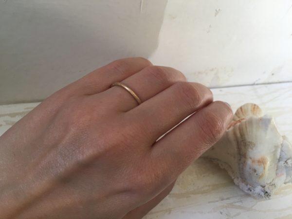 dünner rosegold verlobungsring rund bequem