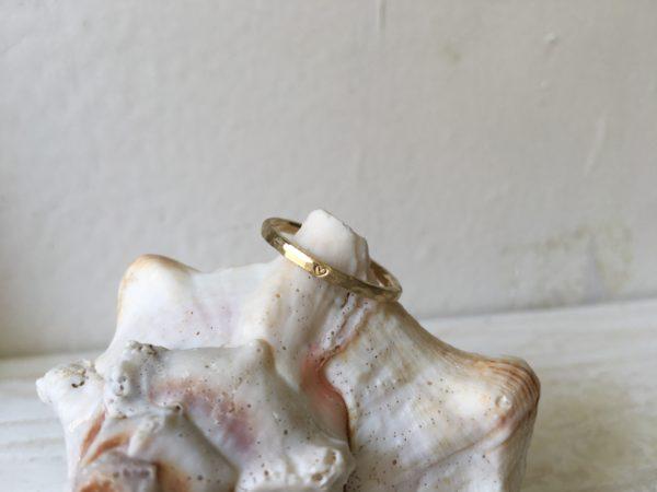 dünner hammerschlag ring gold