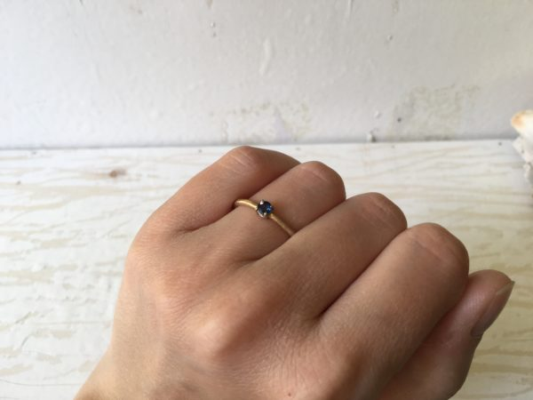 safirverlobungsring in gold rosegold