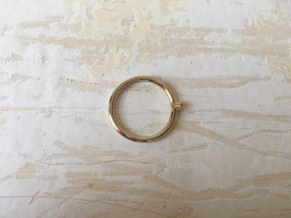 verlobungsring mit stein krallenfassung
