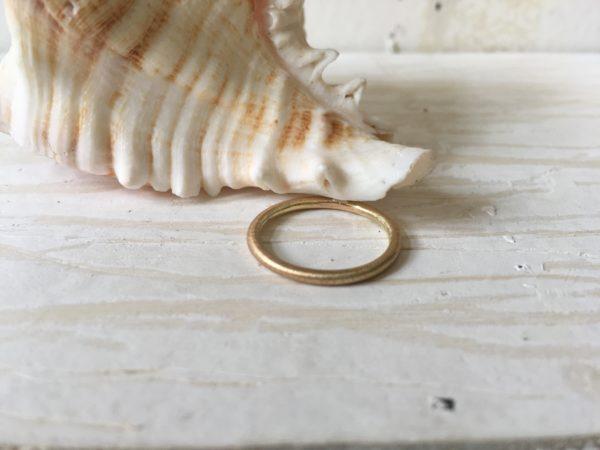 schlichter runder verlobungsring vorsteckring gold