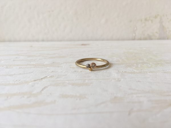 dreifarbiger verlobungsring verspielt ceres